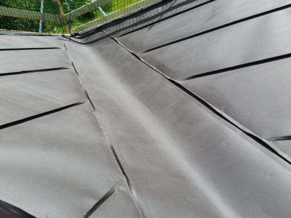 Risanamento e verniciatura tetto in lamiera