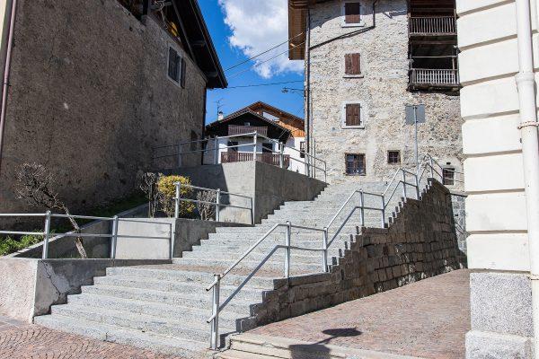 Pulizia profonda arredo urbano a Caderzone Terme